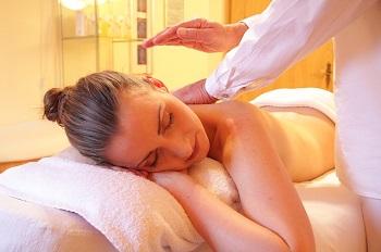 Wellness Massage Gutschein von mydays