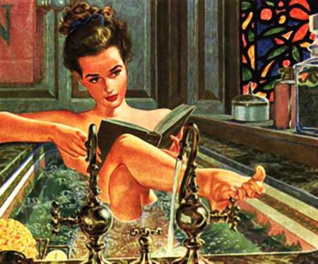 Frau in der Badewanne beim Lesen - pure Entspannung