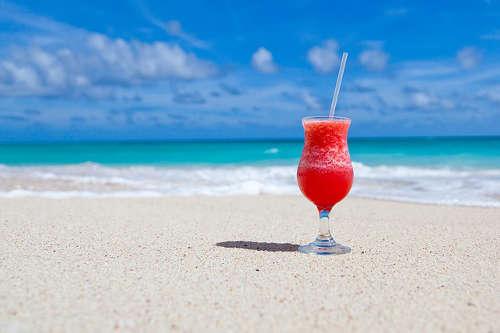 Den perfekten Cocktail unterwegs oder am Strand selber mixen