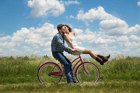 Romantisches Geschenk zum Valentinstag für Paare - Liebesbriefe lesen
