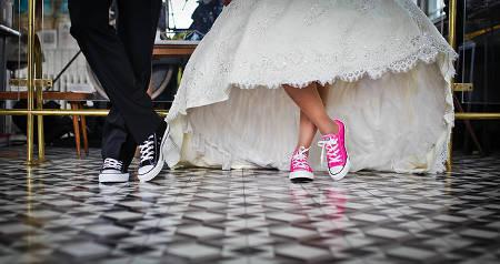 Witziges Hochzeitspaar
